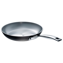 Le Creuset Professional Hard-anodised 30cm Frying pan